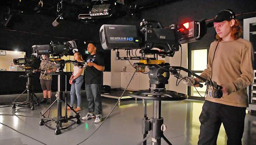 高科技电视演播室