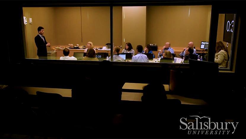 Student Entrepreneur presents business idea to judges during the Shore Hatchery Competition