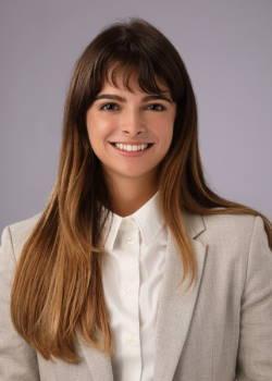 Laura Rivero Headshot